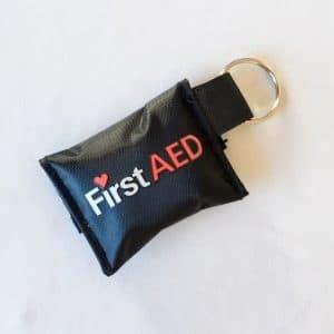 Lommemaske med logo som nøglering